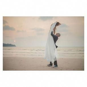 Enjoy a wedding ceremony within a strict budget.