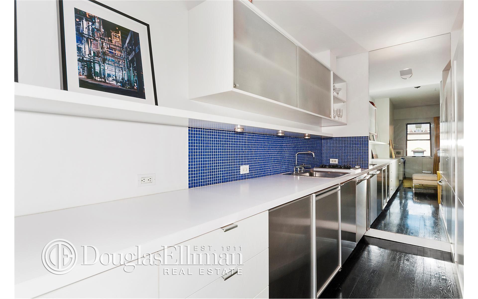 Co-op for sale in Chelsea, Manhattan for $699,000, 2.5 rooms, studio, 1 bath