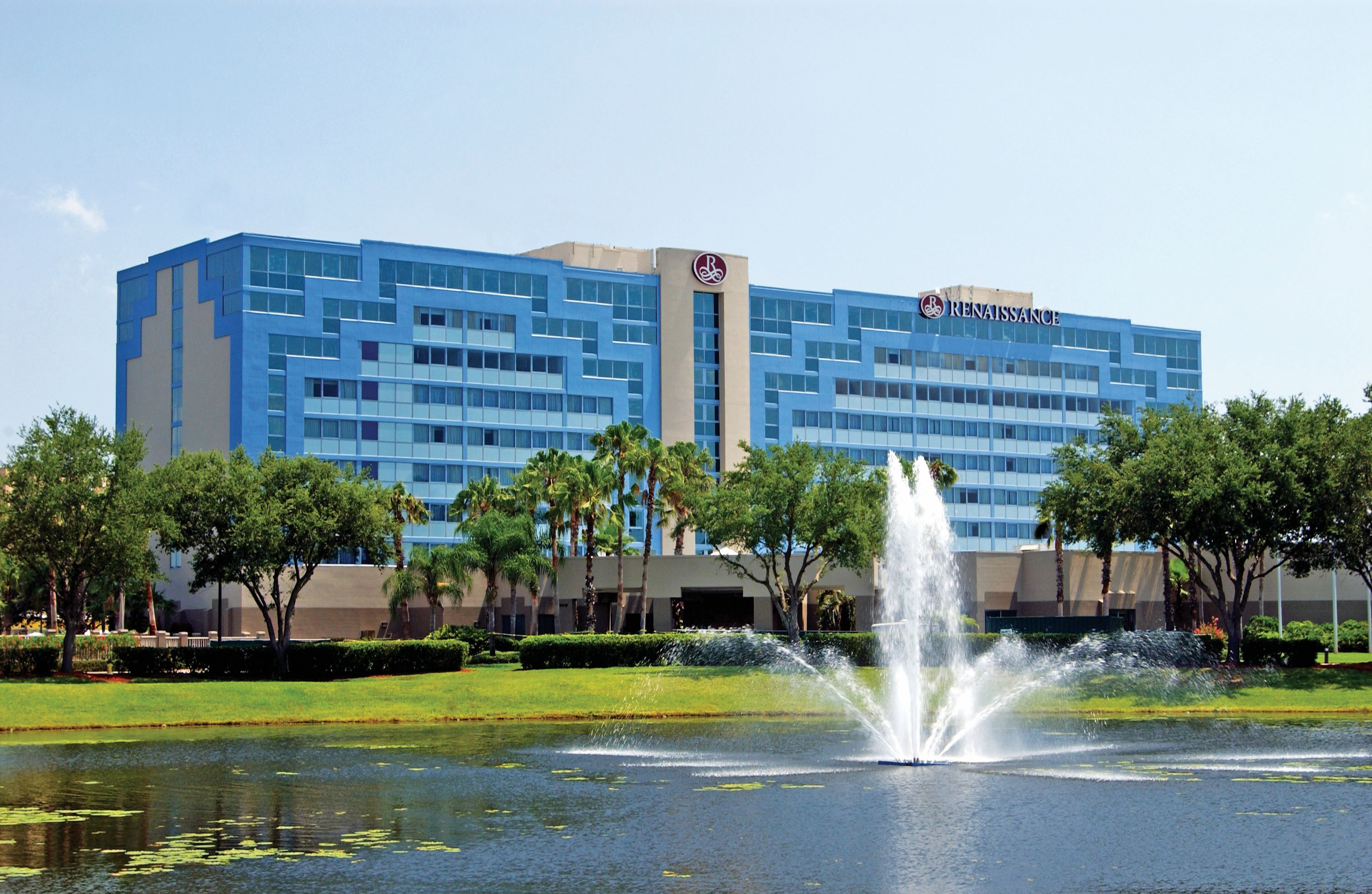 Experience Luxurious Modern Accommodations At Renaissance Orlando Airport Hotel Boasting First Cl Guest