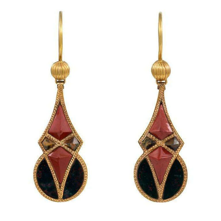 Victorian Scottish Agate and 9k Gold Earrings | UK circa 1890
