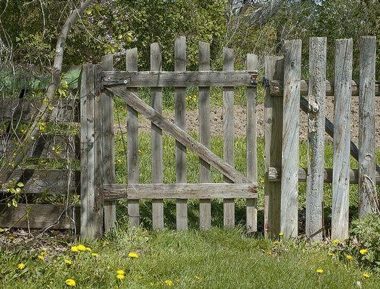 old style garden gate and #garden interior #garden decorating #garden interior design #modern garden design| http://garden-design-478-aniya.blogspot.com