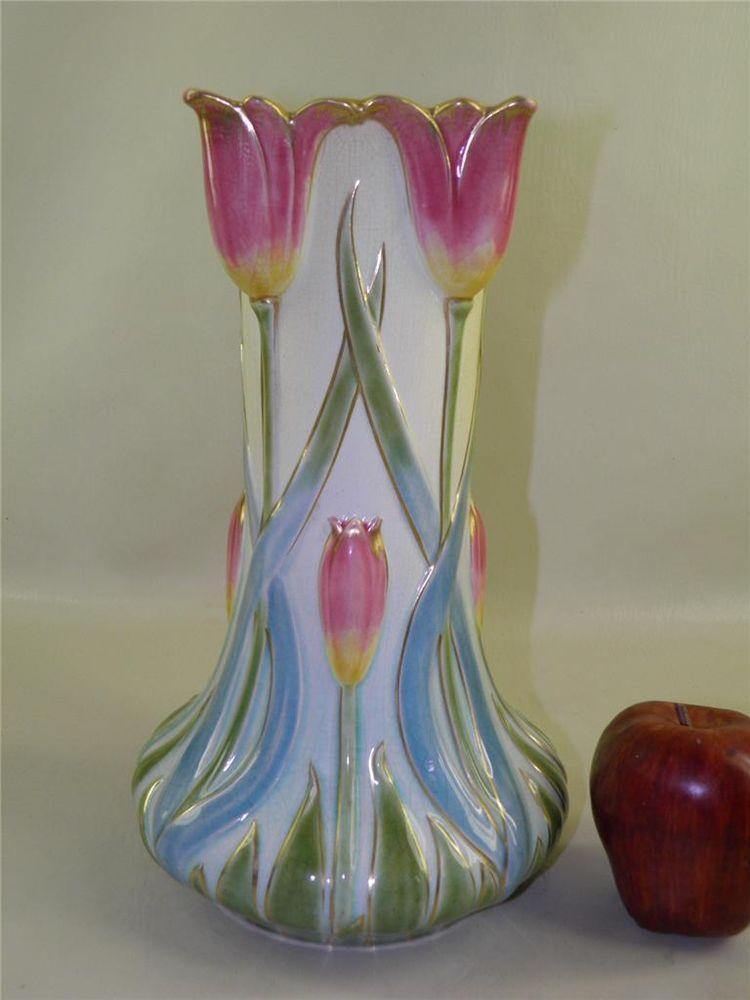 Antique French Sarreguemines L2952 Majolica Tulip Vase 12 High