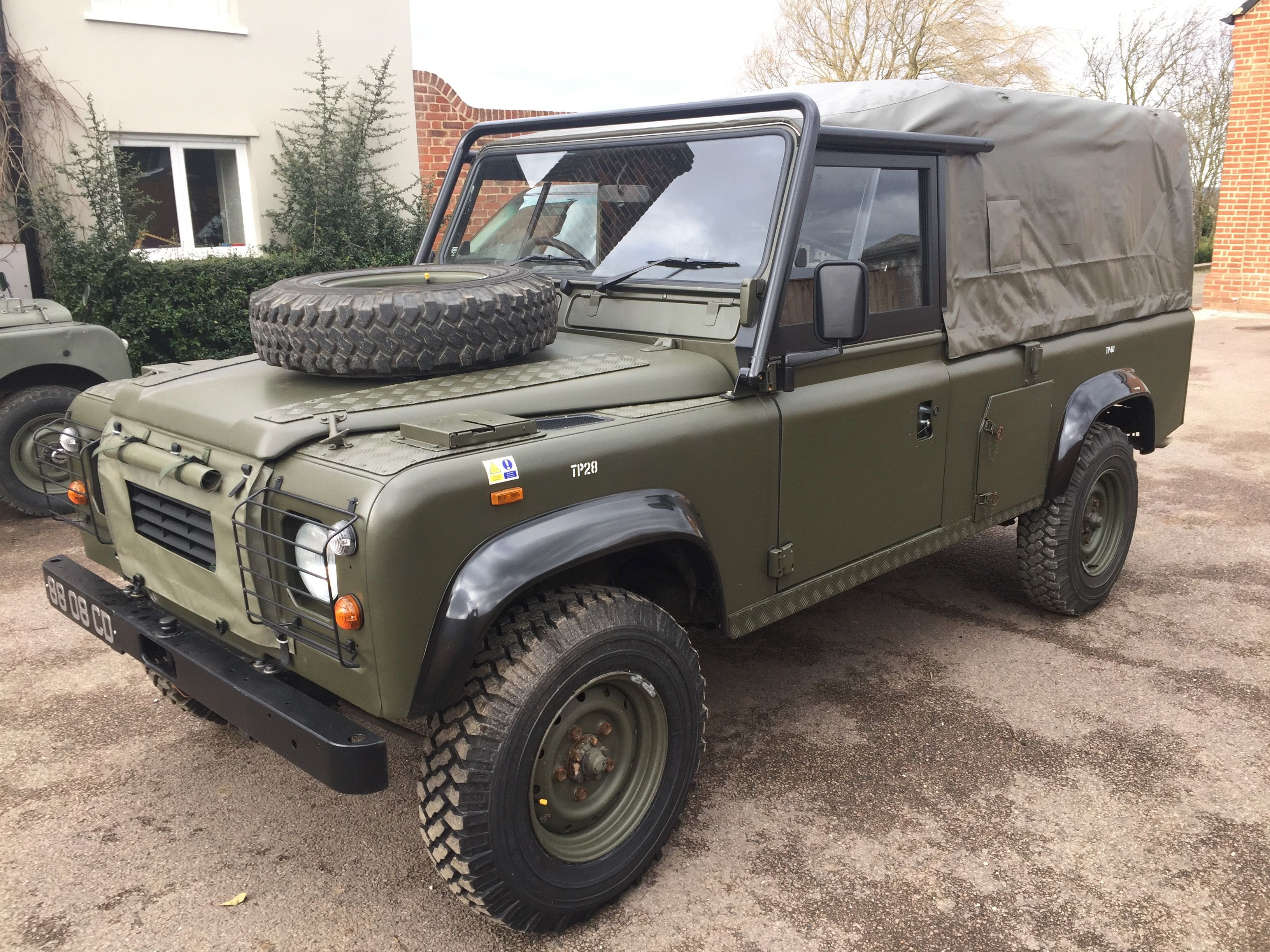 land rover sale newvehicles military ex refurbished landrover defender defenders for