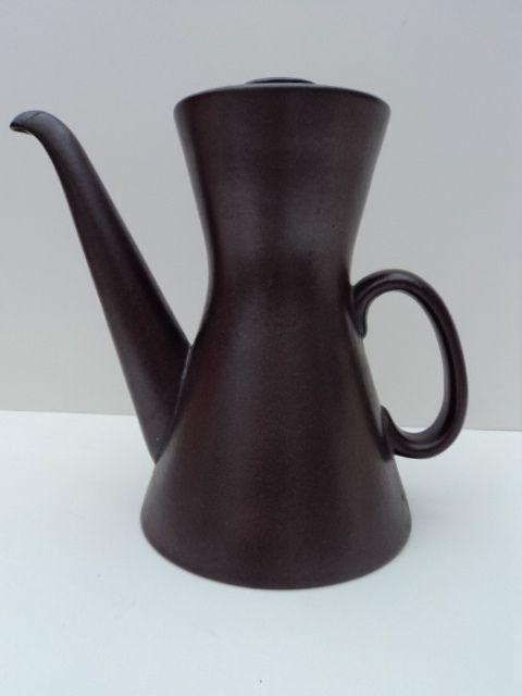 Great tea/coffee pot by Stig Lindberg, 1955.