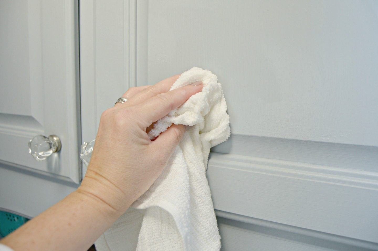 Easy to Make Homemade Kitchen Cabinet Cleaner | Cabinet ...