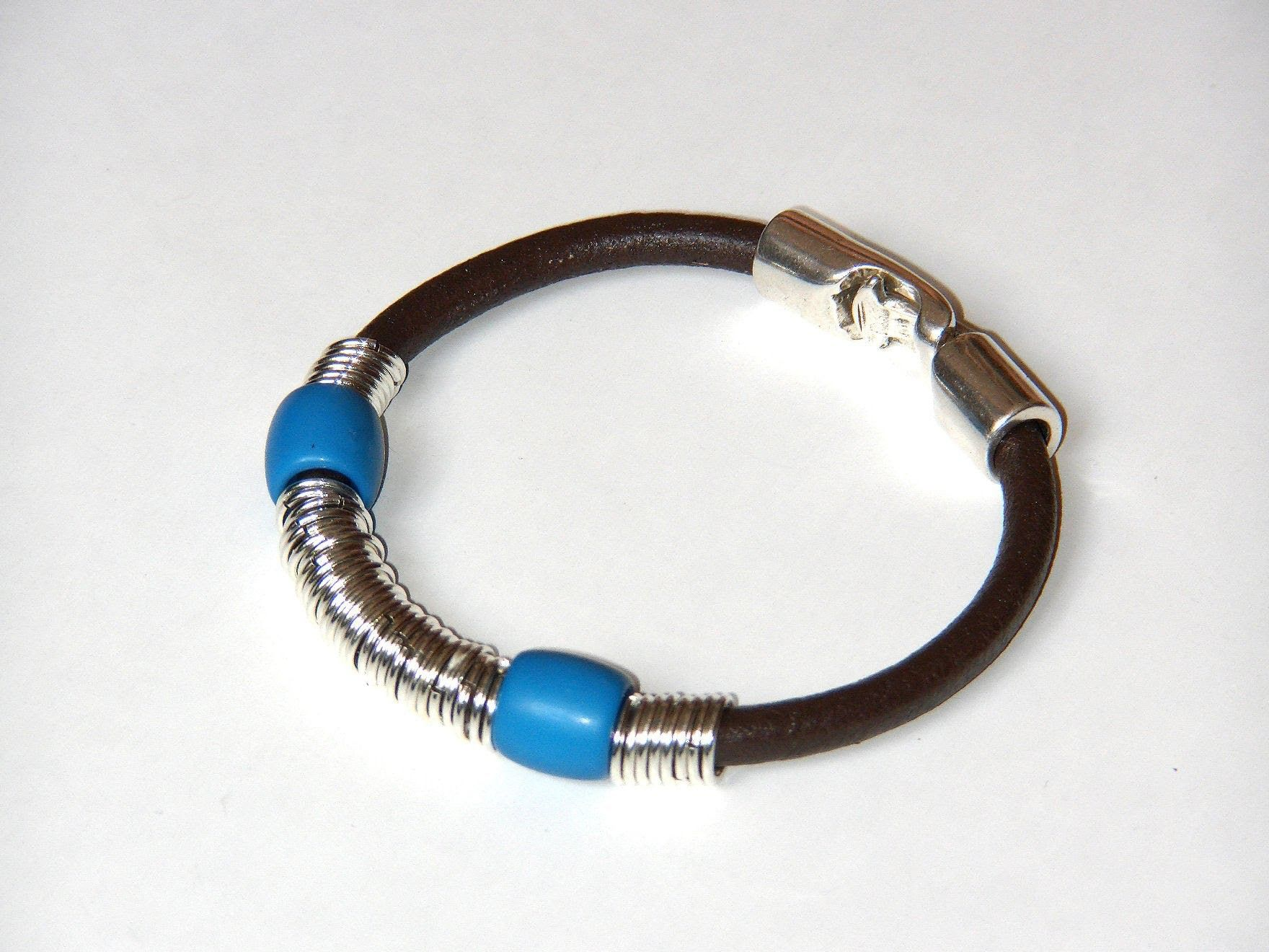 Beading Ideas Leather Bracelet Using Rings As Ornament