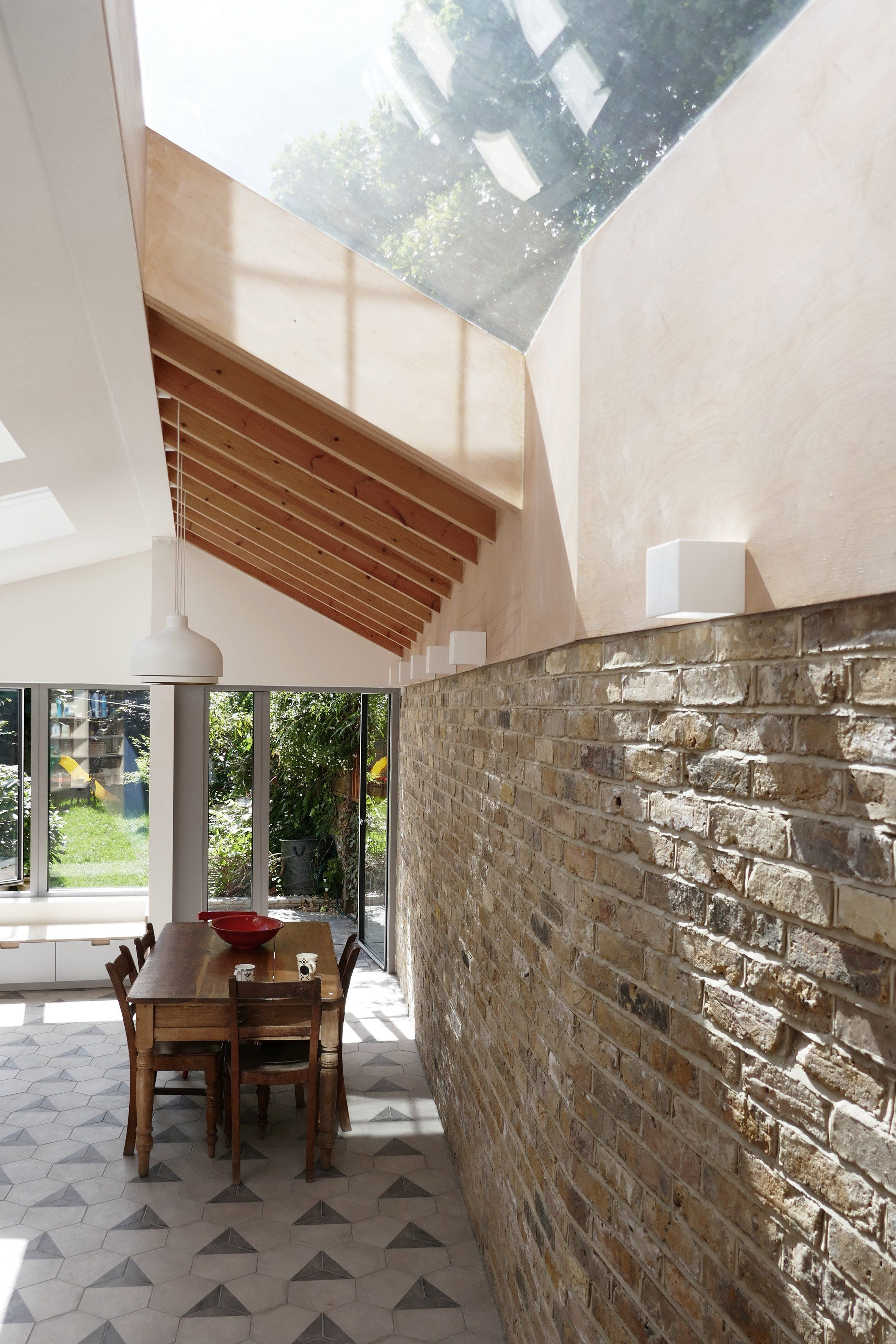 larch extension by pamphilon echoes london residence s butterfly