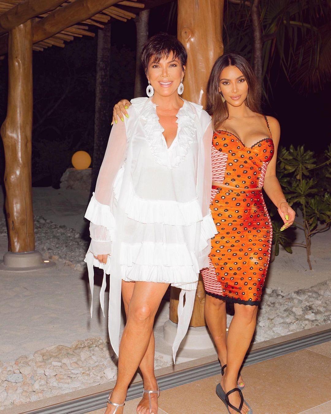 Kim S 40th Birthday Party Kim Kardashian Kardashian Kris Jenner [ 1350 x 1080 Pixel ]