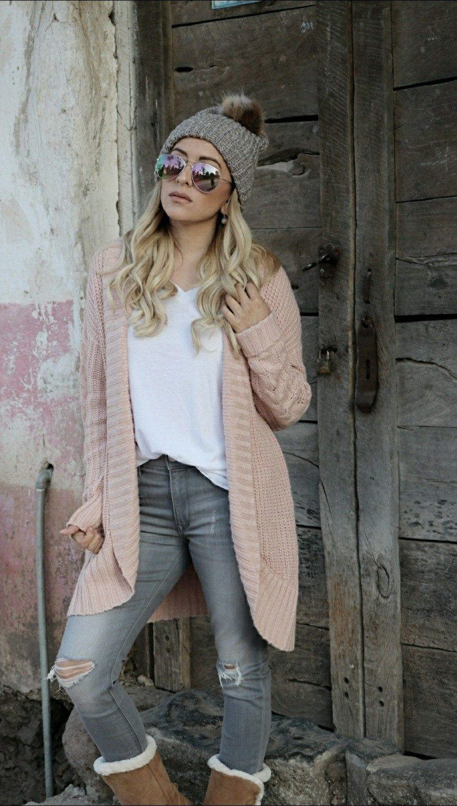 Rosa Winteroutfit für Damen mit beigem Stepp Parka | Outfit