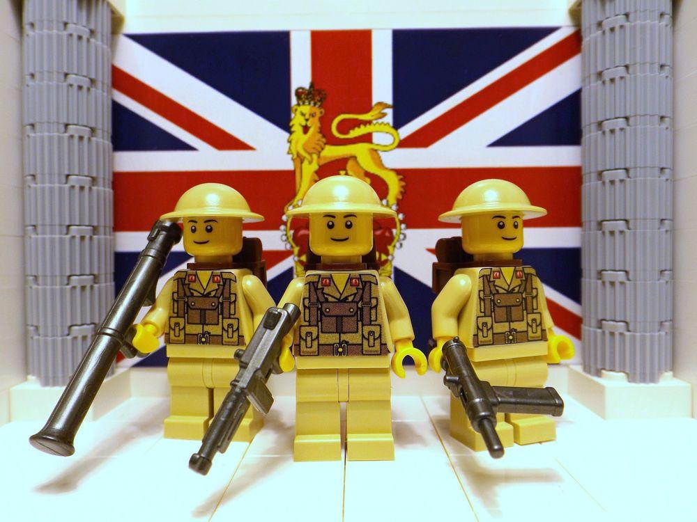 3x LEGO British 8th Infantrymen with Bazooka, M1A1v2, Sten