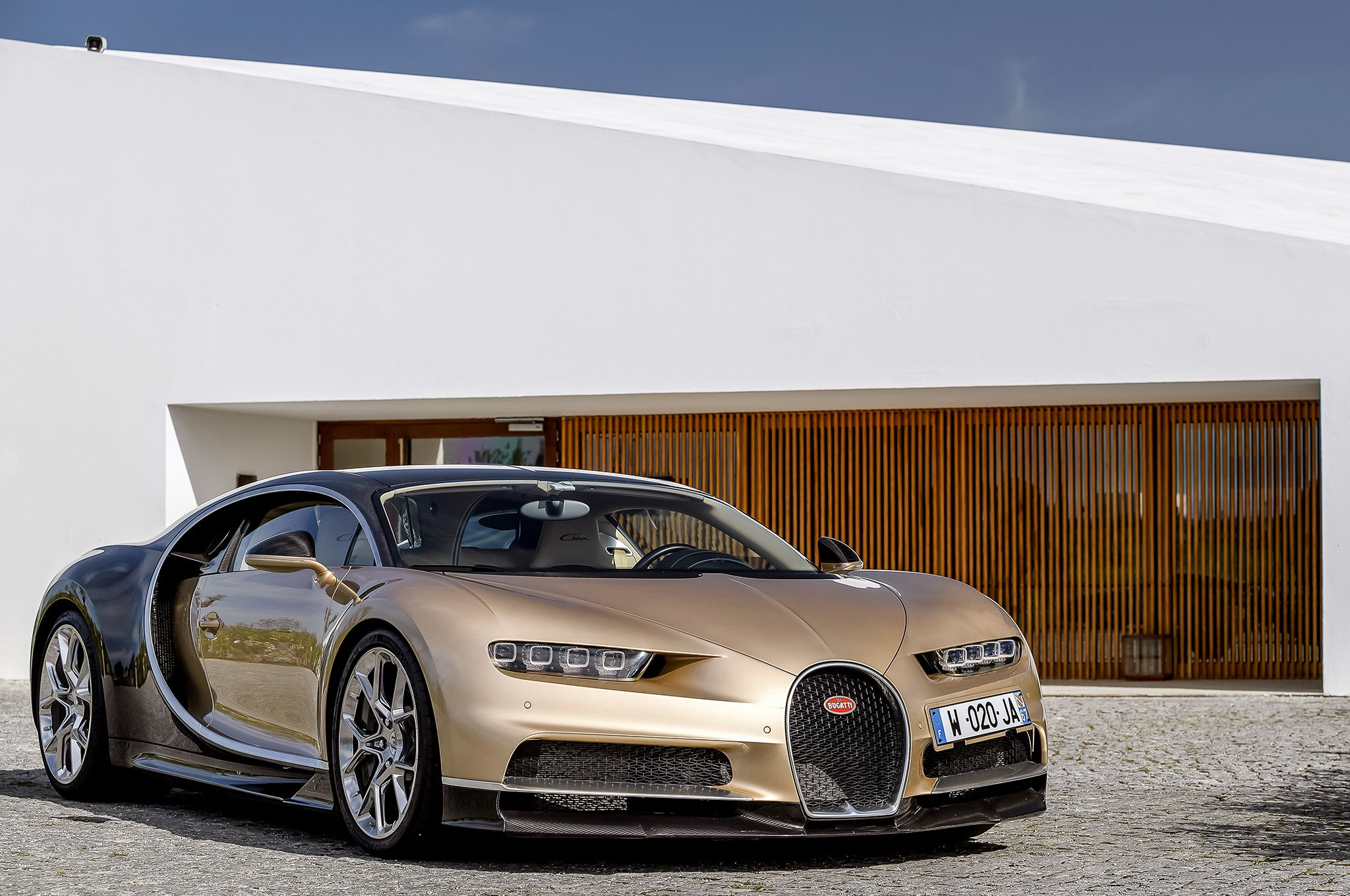2018 Bugatti Chiron Gold 092 1 | Dream Car Garage | Bugatti