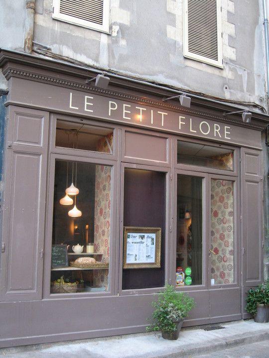 Le Petit Flore Nantes Le Petit Flore 11 Rue Des Vieilles Douve Nantes Facades De Magasins Facade Restaurant