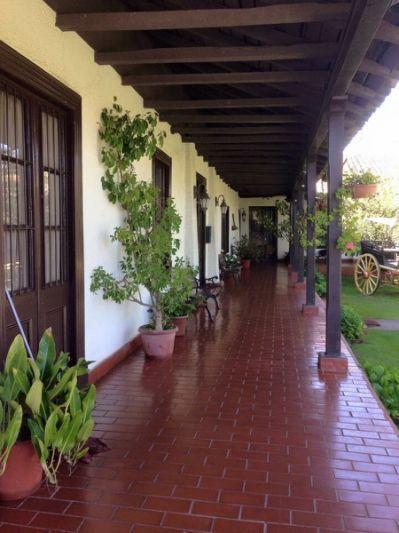 Mirada Al Corredor De Antano Spanish Style Homes Village House Design Spanish Style