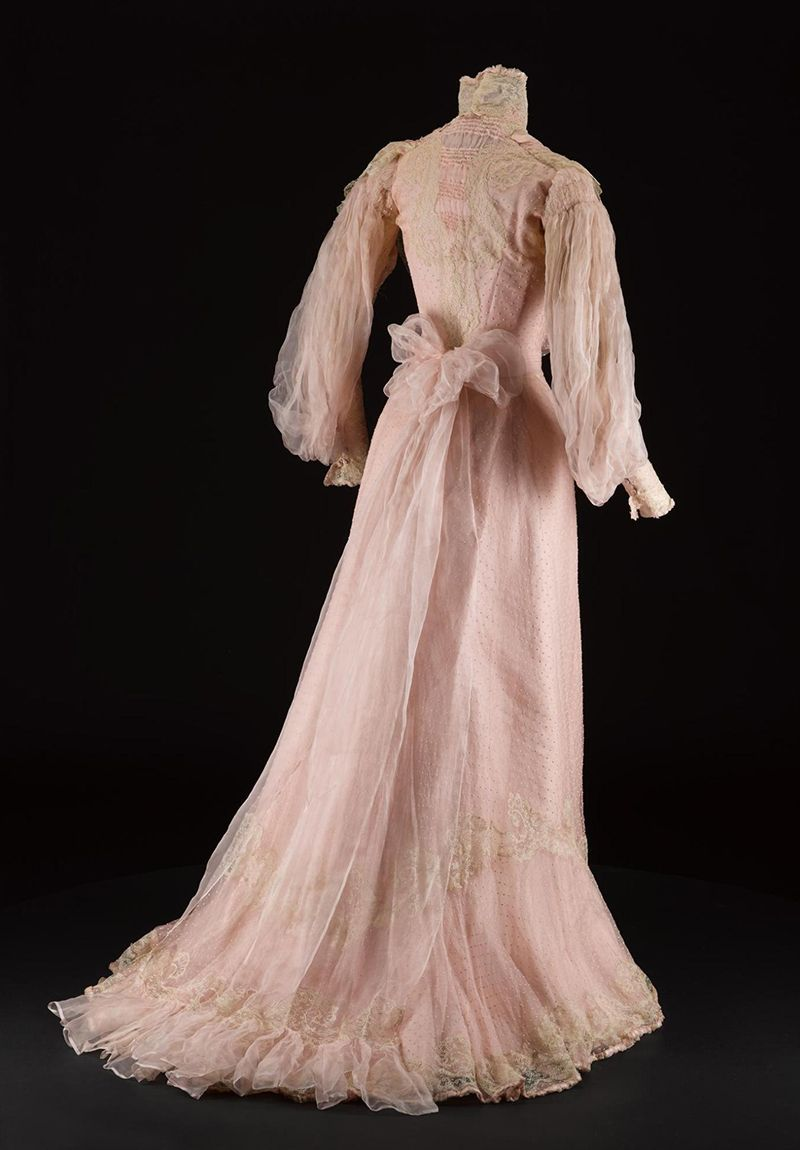 Worth day dress ca. 1900-03 From National Museums Scotland   1900 ...