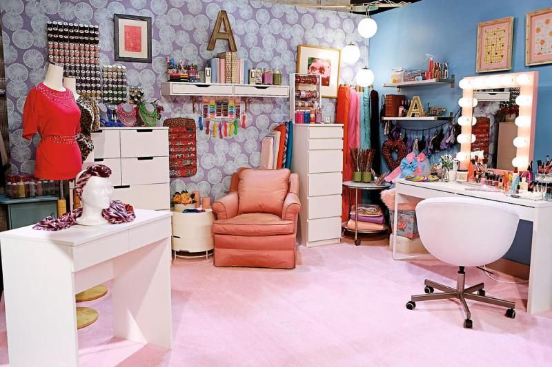 Take a Tour of the \'Bizaardvark\' Bedrooms & Steal Some Major Room ...