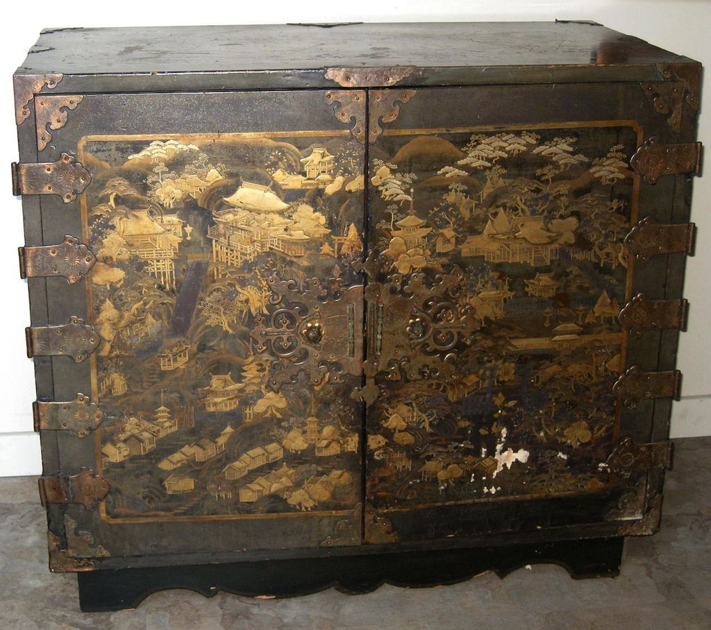 Exquisite Antique Japanese Lacquer Chest from dynastycollections on Ruby  Lane - Exquisite Antique Japanese Lacquer Chest Ruby Lane, Japanese