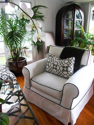 window seat cushion white with navy piping Christy\u0027s recs