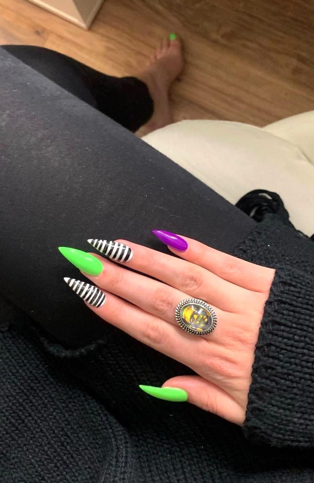 Pin By Audrea Emmons On Nails In 2020 Turquoise Nails Halloween Nail Designs Halloween Nail Art
