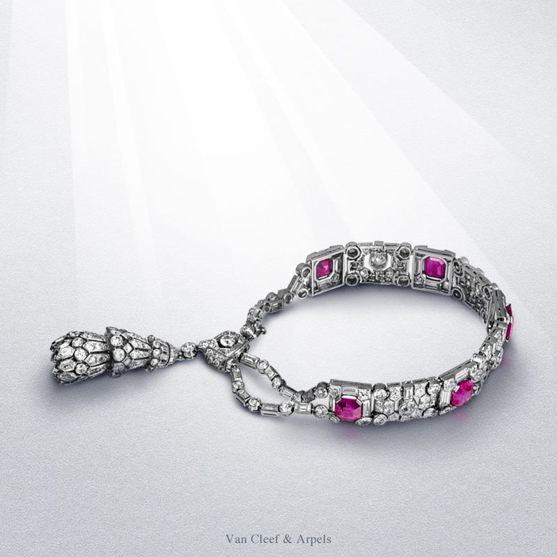 The Duke of Westminster a fine jewelry amateur, used to have a preference for the purest diamonds. In 1929, he purchased this Tassel bracelet in platinum set with baguette, square and oval diamonds, diamond brilliants and five Burmese rubies.  Visit the exhibition at the Van Cleef & Arpels Stoleshnikov boutique until March 10 #HighJewelryTreasures http://goo.gl/5IwY30