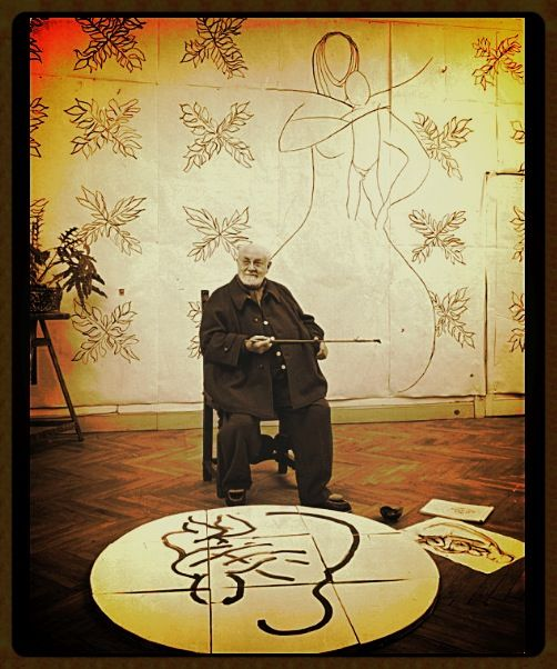 HENRI MATISSE sketching for his Chapelle.