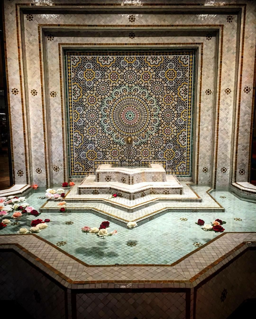 22 Designs With Amazing Morrocan Tile: Home Design Inspiration, Moroccan Tile, Pool, Fountain