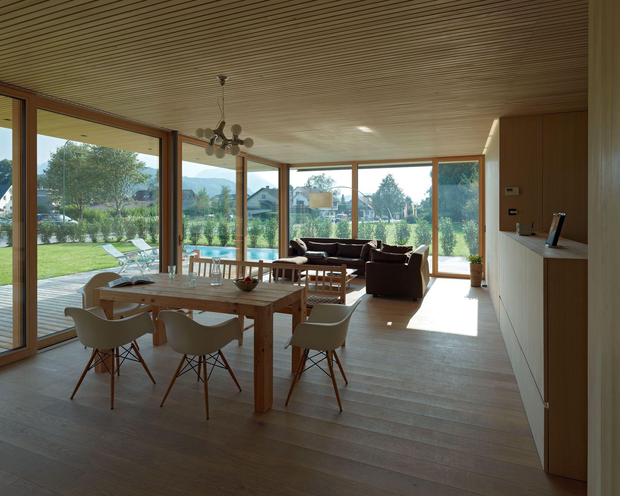 Architekten hermann kaufmann zt gmbh einfamilienhaus for Wohnzimmer architektur