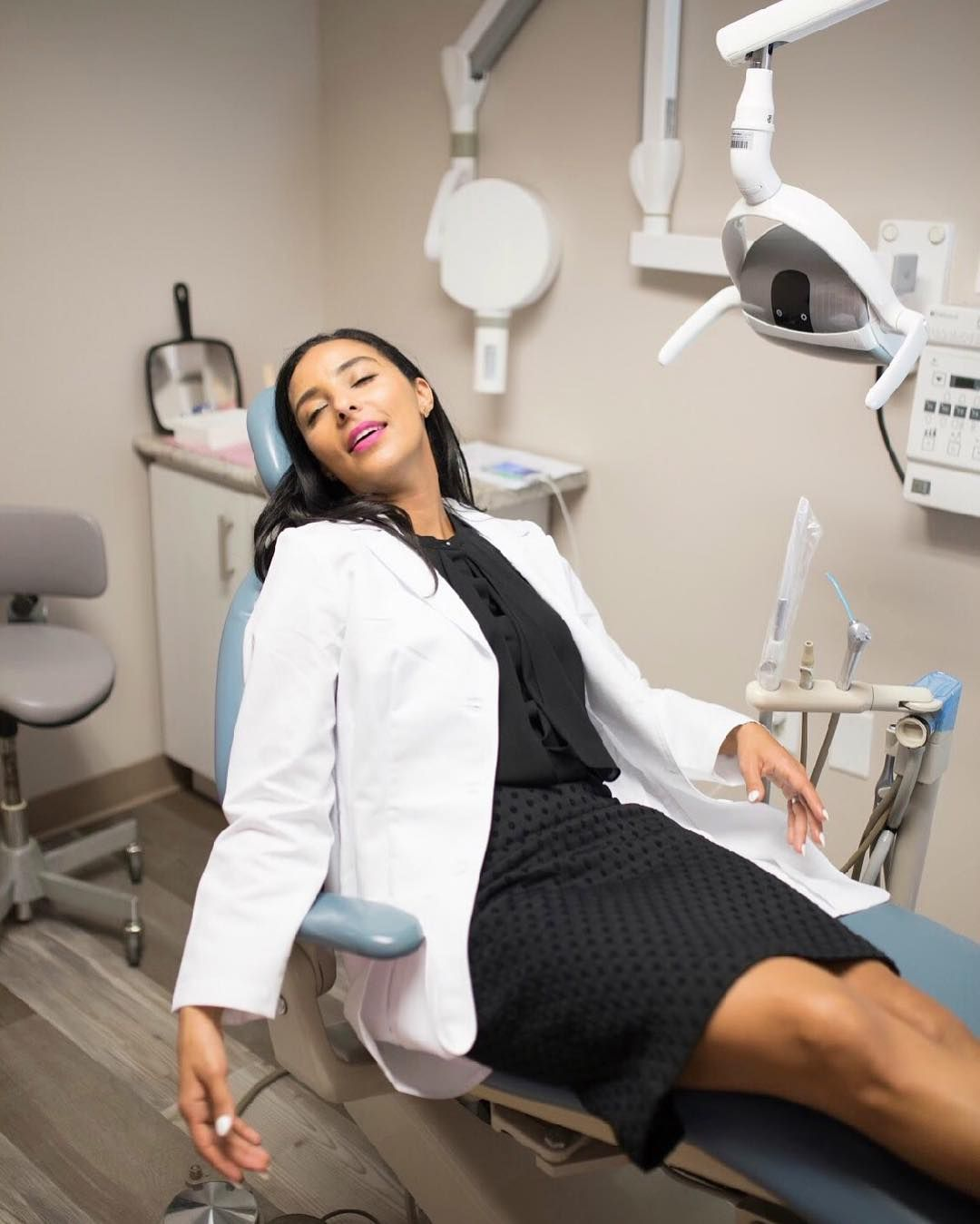 Dr Amira Ogunleye On Instagram When You Are Only Half Way Through The Work Day But You Need A Break Cosmeticd Cosmetic Dentistry Dentist Amira