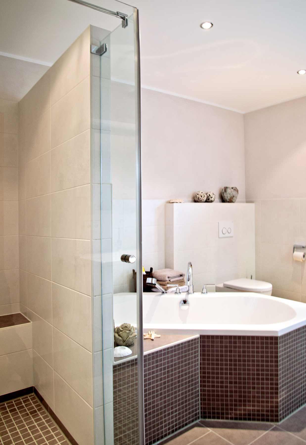 Badezimmer Mit Sechseck Badewanne Badezimmer Badewanne Zimmer