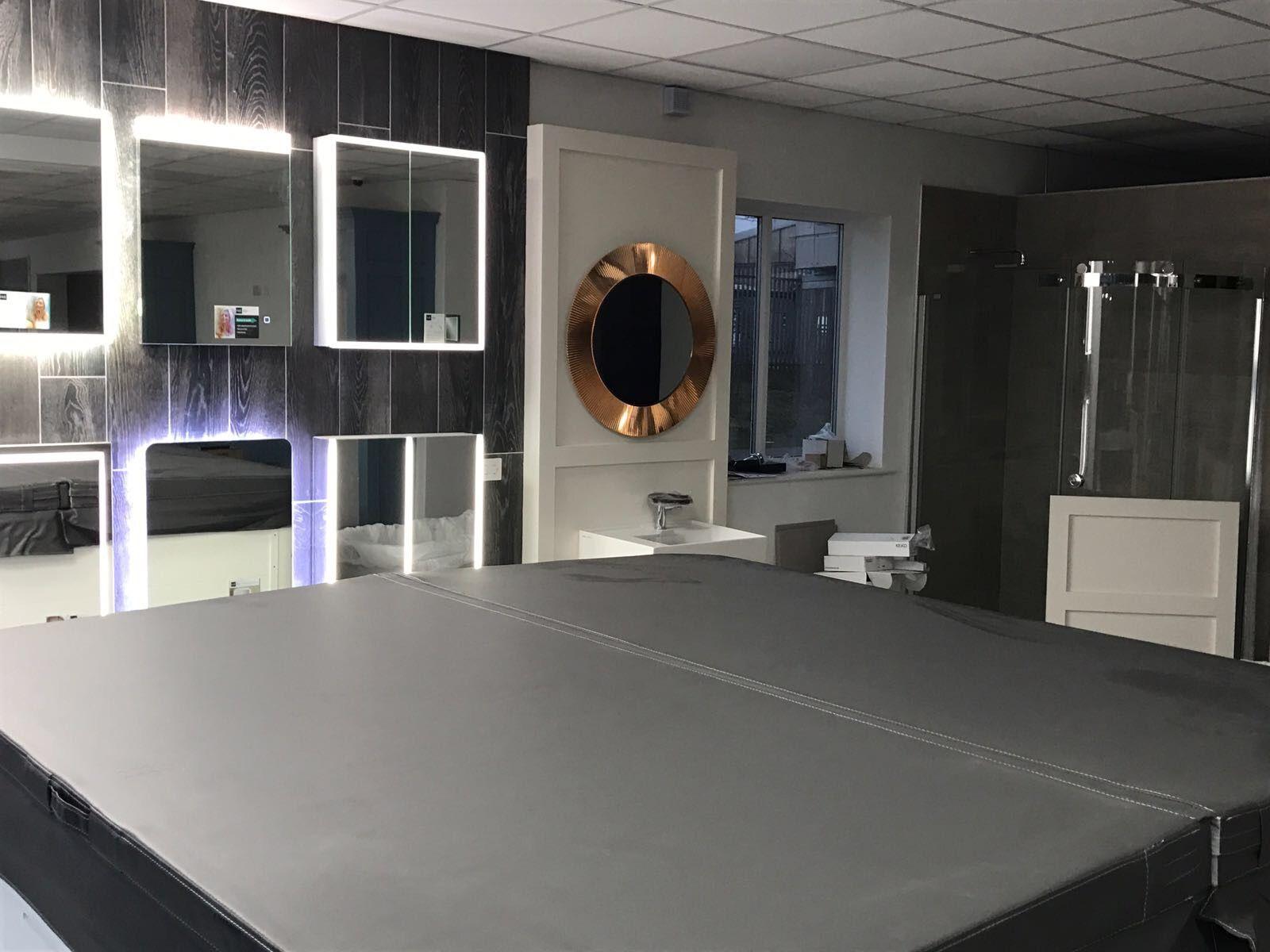 Ausgezeichnet Küche Bad Showroom Zeitgenössisch - Küchenschrank ...