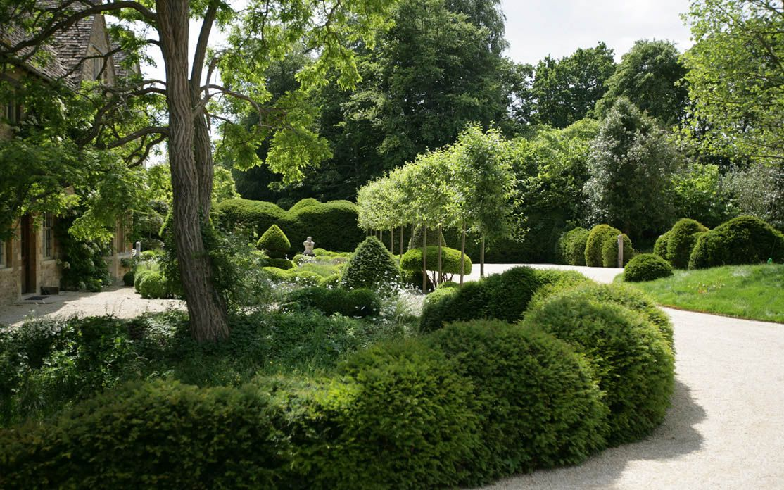 An Ancient And Modern Garden For A Manor House In Oxfordshire We
