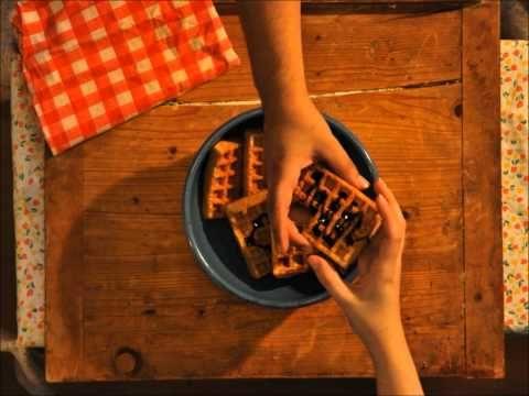 Prvý video-počin KreaPointu - reklama na fiktívny produkt, vyrobená pre študijné účely :)    http://malyzurnal.wordpress.com/2011/05/30/nasa-prva-reklama/