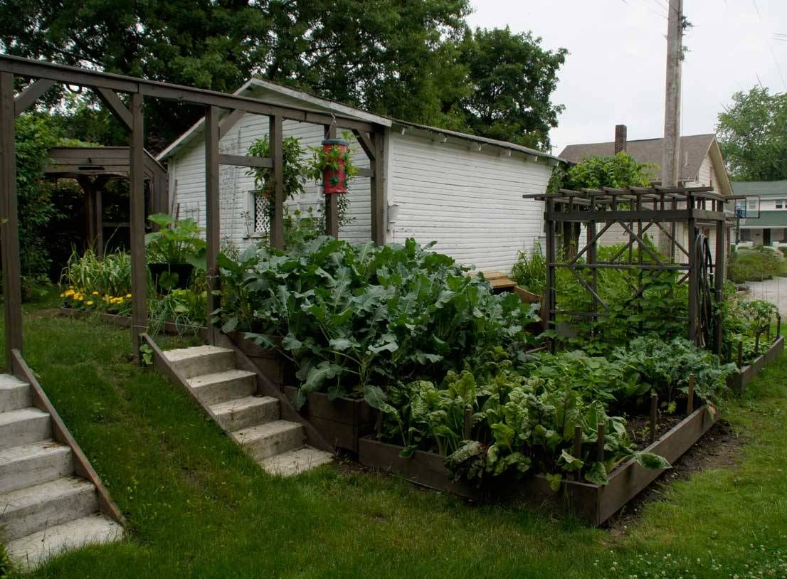 Vegetable Garden Landscaping Ideas Part - 42: Raised Vegetable Garden Design Terraced Garden Ideas With Front Yard Stairs