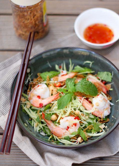 Vietnamese Green Mango Salad with Prawns  – Gỏi Xoài Xanh Tôm