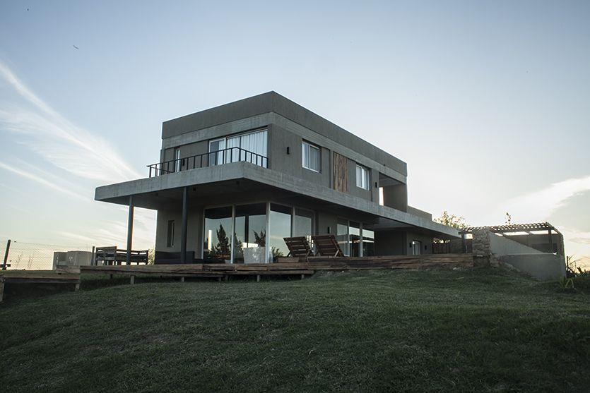 Casa moderna de hormigon casa mm arquitectura casas for Casa moderna hormigon
