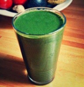 Grüner Smoothie mit Superfoods