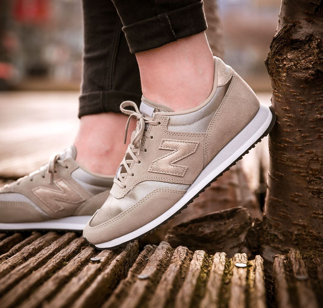 New Balance 620: Oatmeal | Sneakers: New Balance | Sneakers