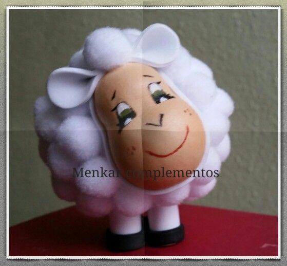 ovejita de goma eva para decorar el beln