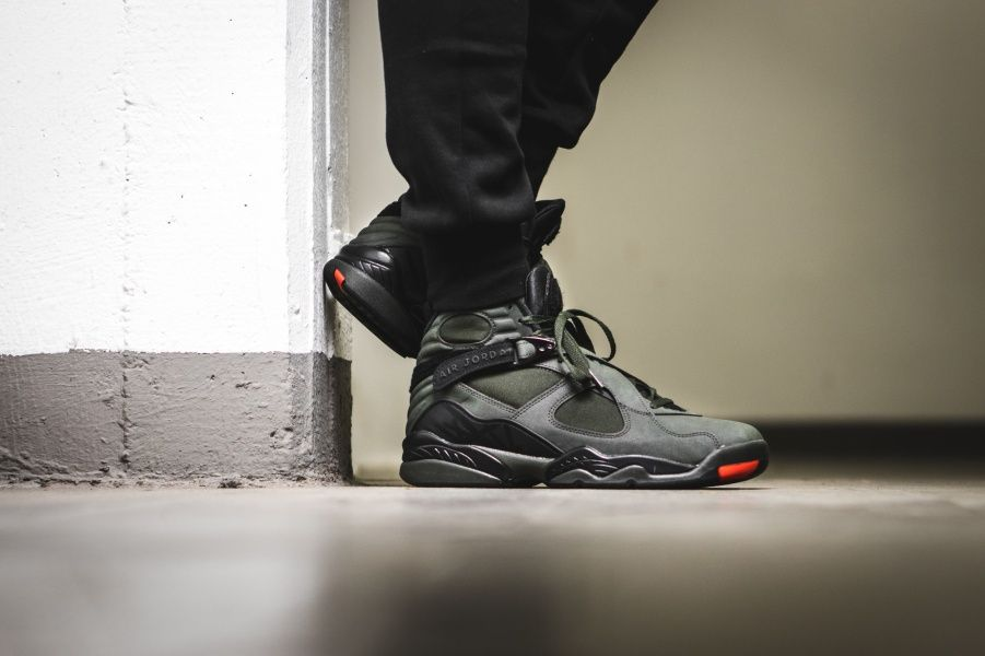 Nike Air Jordan 8 Retro Take Flight