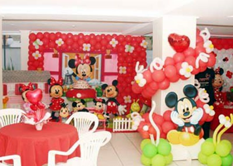 fiesta temtica con globos de minnie mouse birthday party