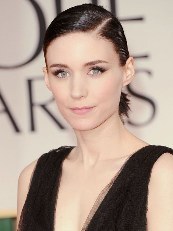 Rooney Mara is gorgeous. I hardly recognized her at the Golden Globes. #GirlWithTheDragonTattoo