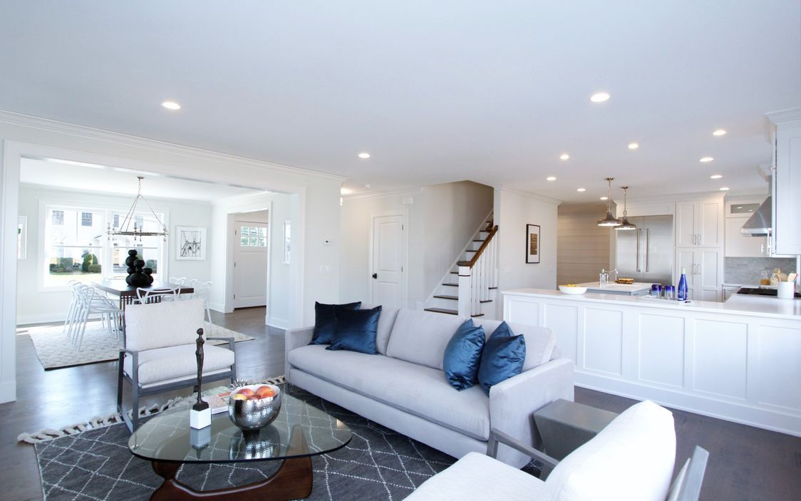 Gorgeous light-filled open floor plan in Darien, CT with Chef\'s ...
