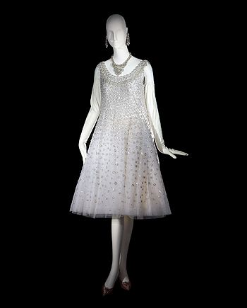 1958 - trapeze dress derived from A-line Dior made by saint laurent
