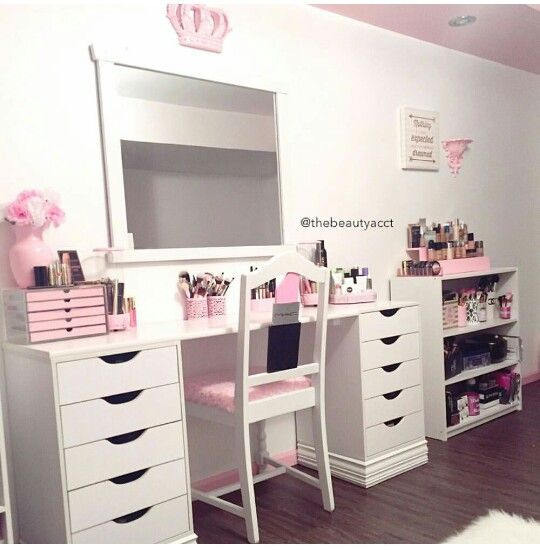 Makeup Table Vanity. Note The Shelf On The Right Side Of The Desk For Extra