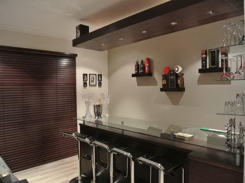 Modern style home bar designs and layouts interiordesign for Small bar area ideas