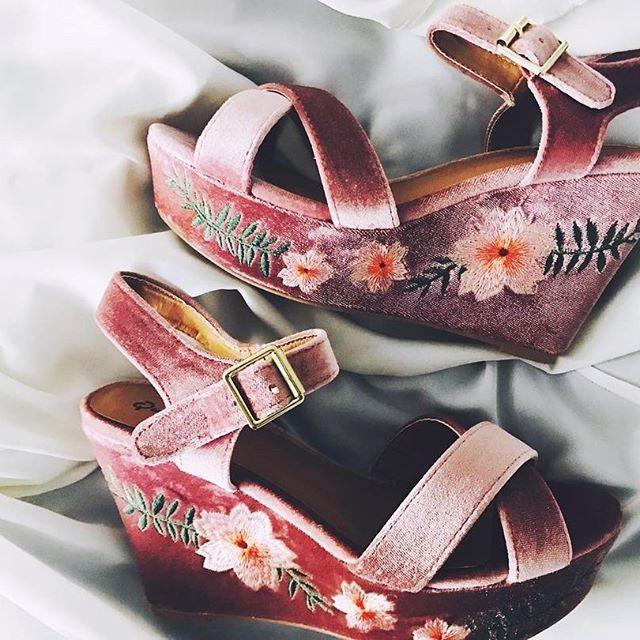 velvet + floral + wedge =