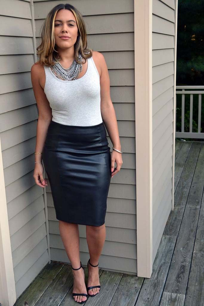5d5ca889b4 35 Best Leather Skirts Outfits Ideas (5) | fashion | Black skirt ...