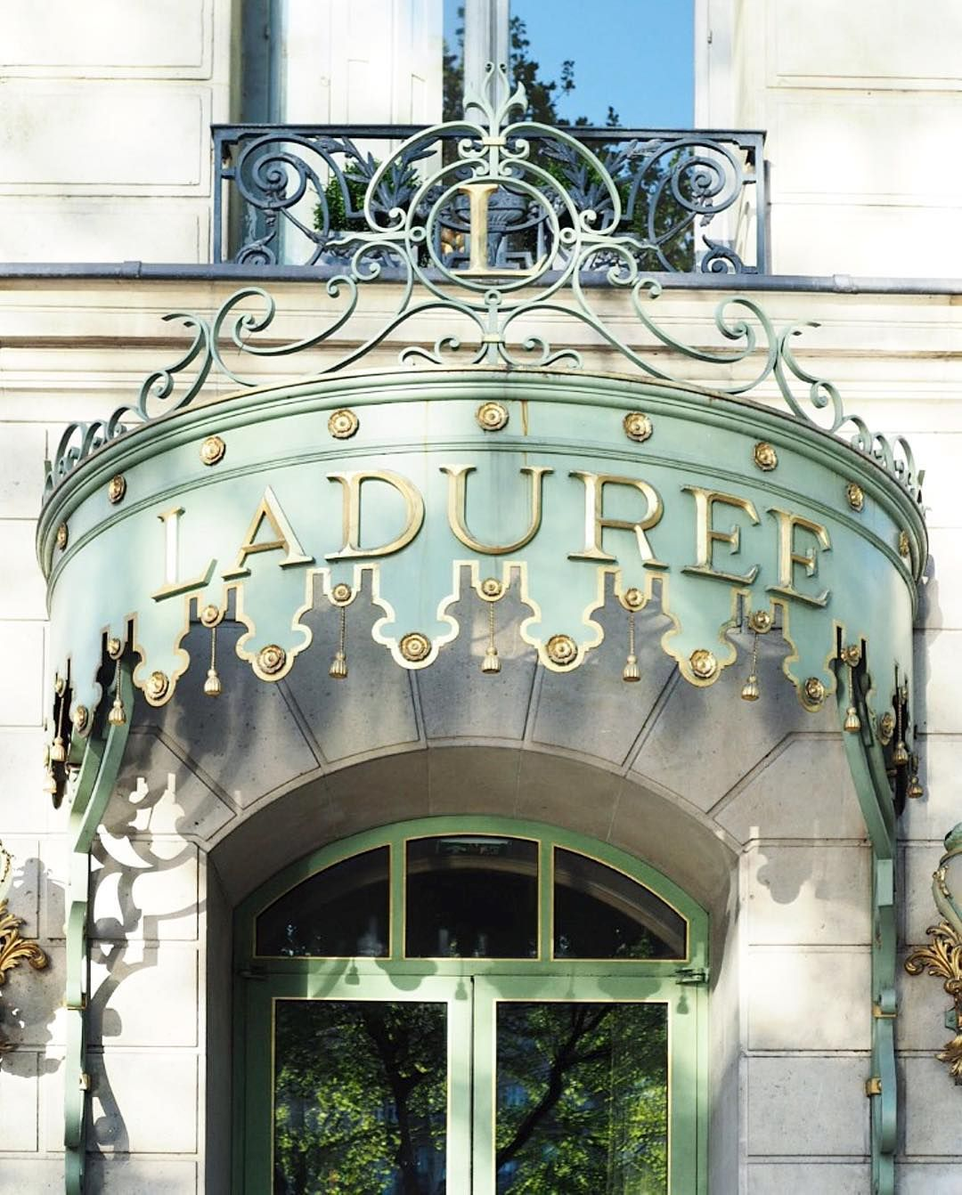 Quel est votre salon de thé préféré à Paris ?  Which is your