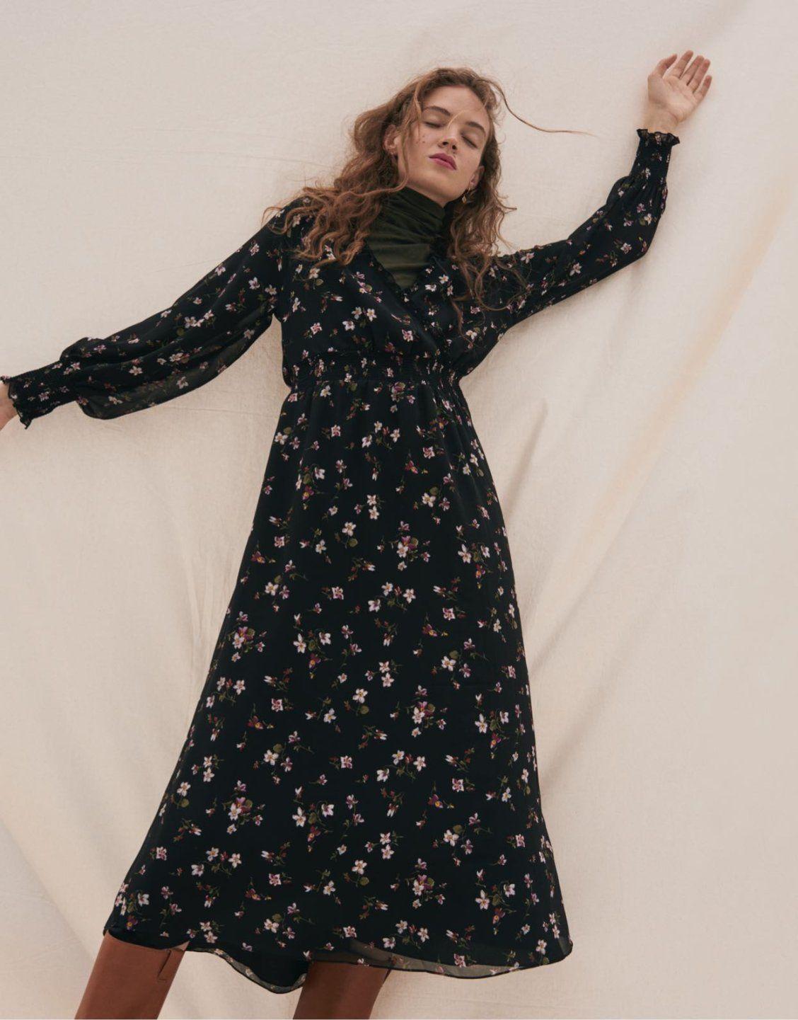 Georgette Smocked Midi Dress In Backyard Blooms Midi Dress Dresses Fashion [ 1441 x 1128 Pixel ]