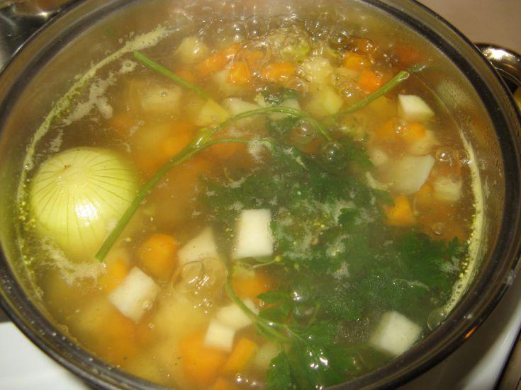 Fotorecept: Rýchla zeleninová polievka