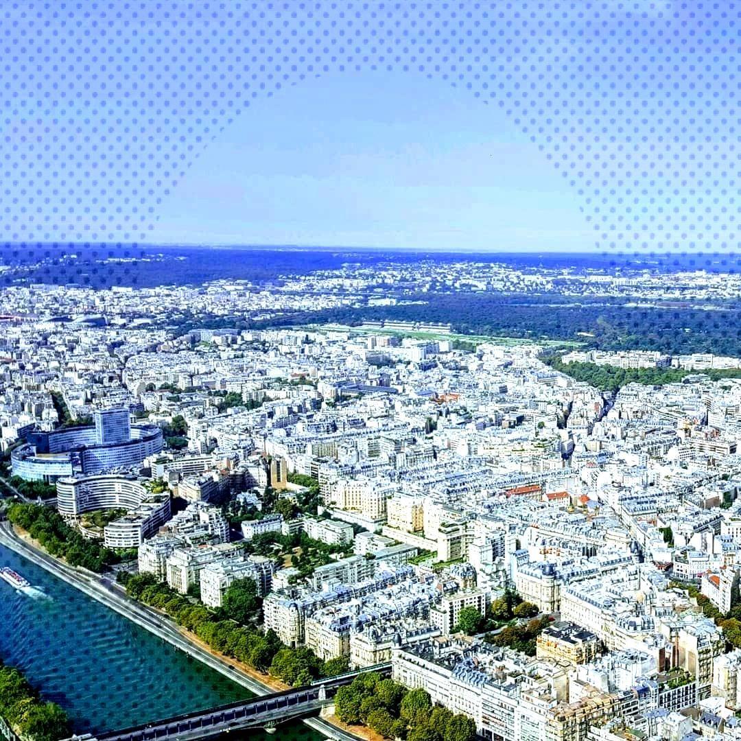 Paris. S P A C E